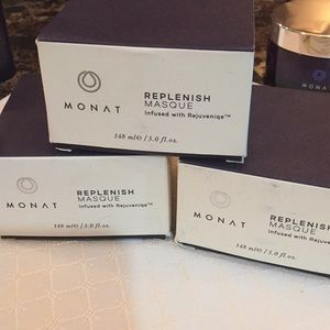 Monat Replenishing Masque